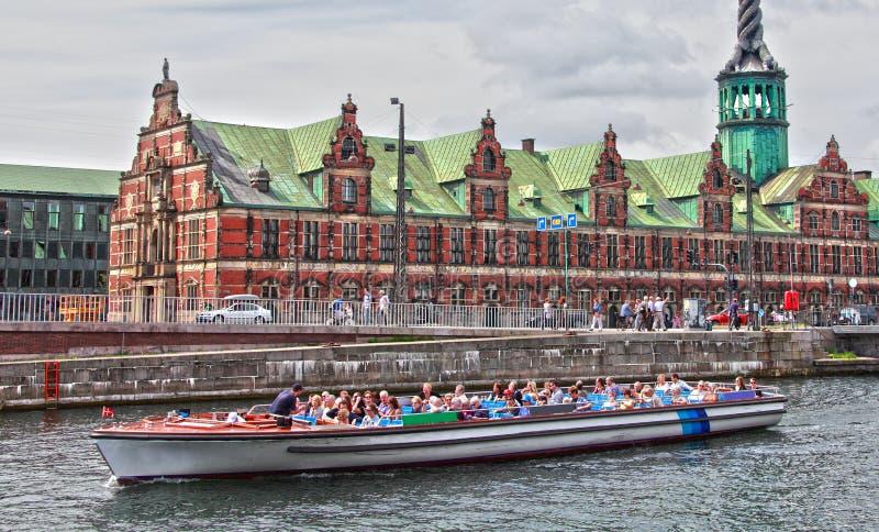 fartyget turnerar fotografering för bildbyråer