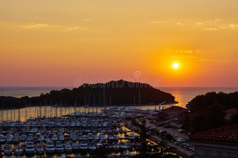 Fartyghamn av Vrsar royaltyfria bilder