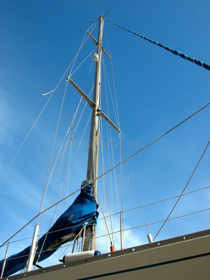 Download Fartygmastsegling arkivfoto. Bild av soligt, port, fritid - 987240