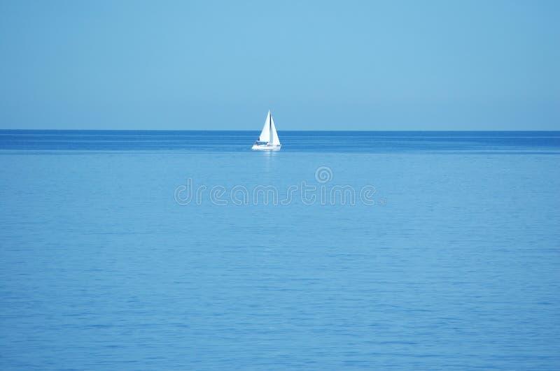 Download Fartygmitt ingenstans arkivfoto. Bild av italy, relax, fiske - 523796