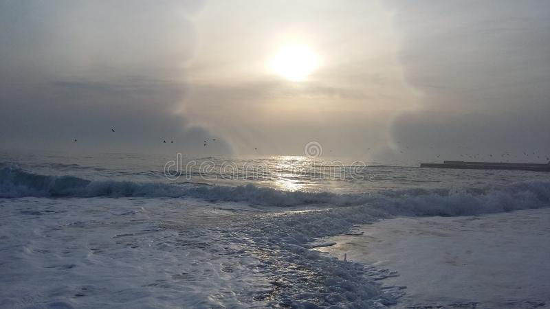 Fartygturer, som kommer med hälsa, ny luft på kusten royaltyfri foto