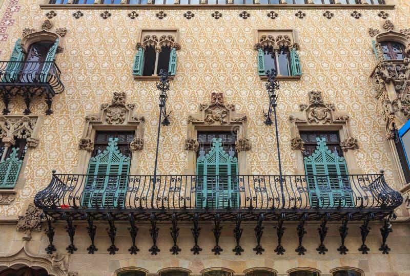 Fasad av den berömda casaen Amatller, byggnad som planläggs av Antoni fotografering för bildbyråer