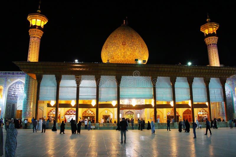 Fasad av den schahCeragh moskén, Shiraz, Iran royaltyfria foton