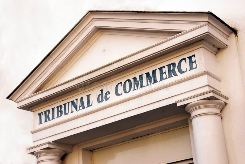 Fasad av en fransk kommersiell domstol arkivfoton
