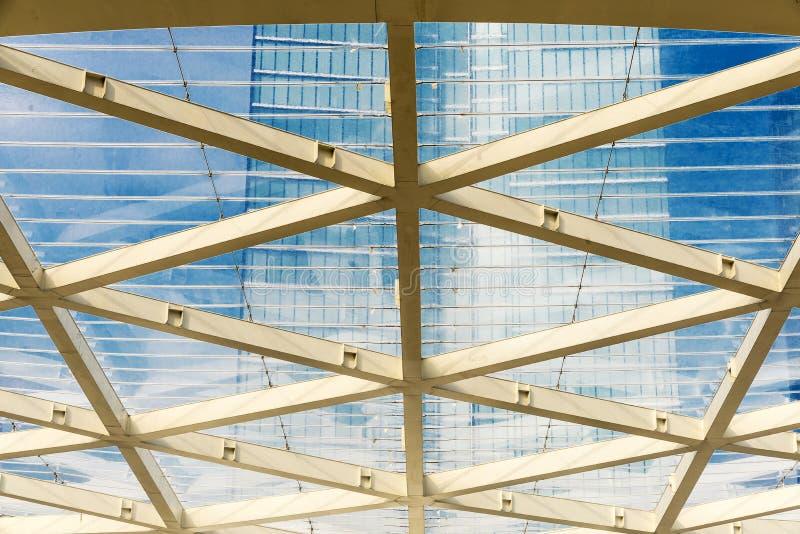 Fasad av en modern kontorsbyggnad i Bryssel, Belgien arkivfoto