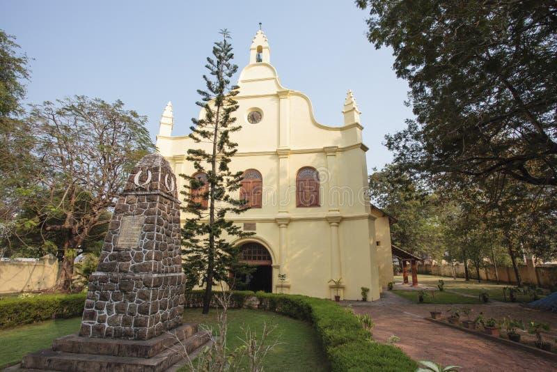 Fasad av koloniinvånareSten Francis Church, Kochin, Kerala, Indien arkivbilder