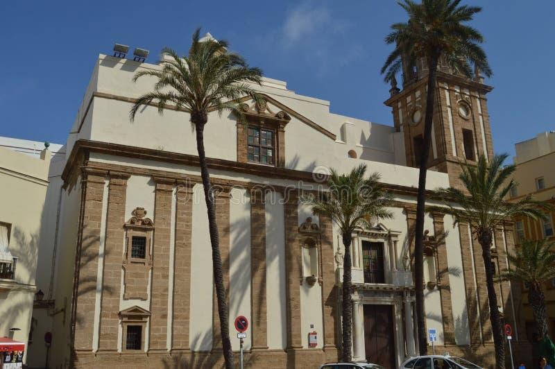 Fasad av kyrkan av Santiago Apostol In Cadiz royaltyfri foto