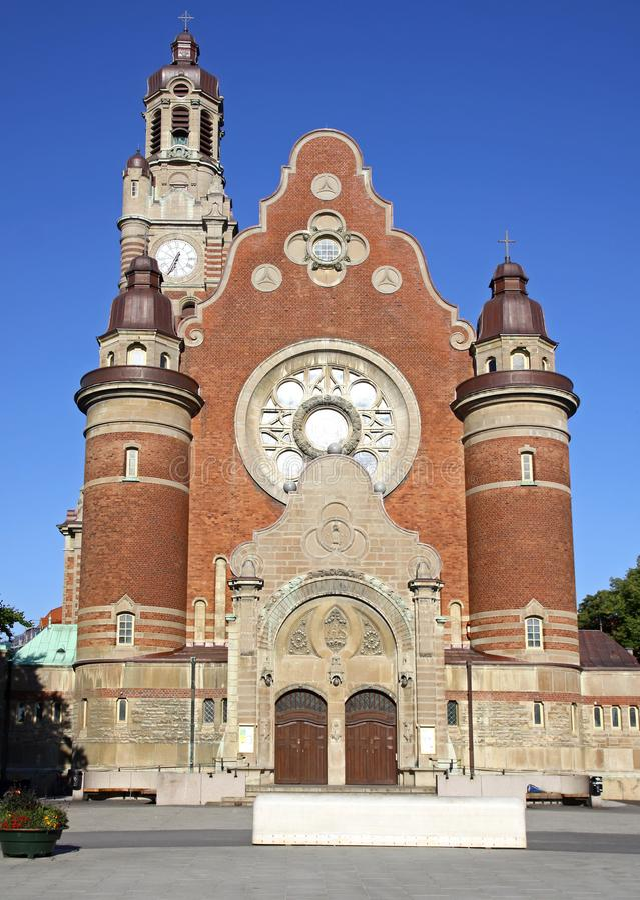 Fasad av St Johannes Church i Malmo, Sverige arkivbild