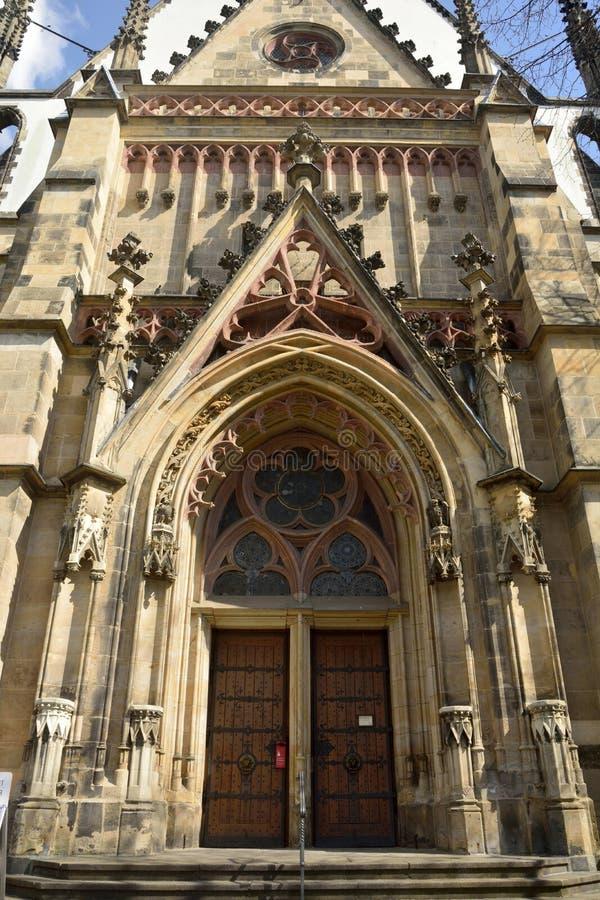 Fasad av Thomaskirche i Leipzig arkivfoton