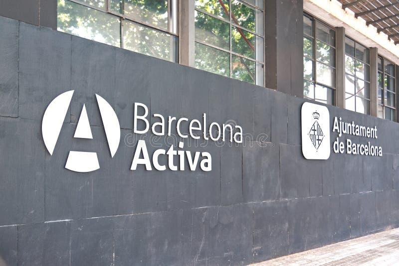 Fasad för Barcelona Activa arbetsförmedlingbyggnad arkivbilder