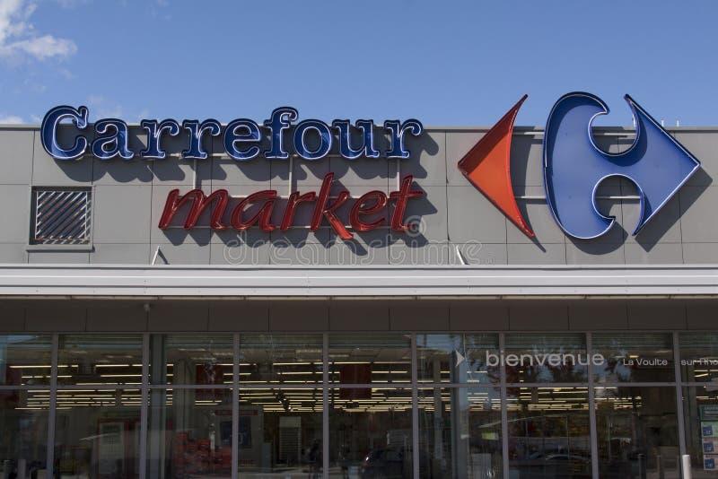Fasada Carrefour rynek w losu angeles voulte sura Rhone zdjęcie stock