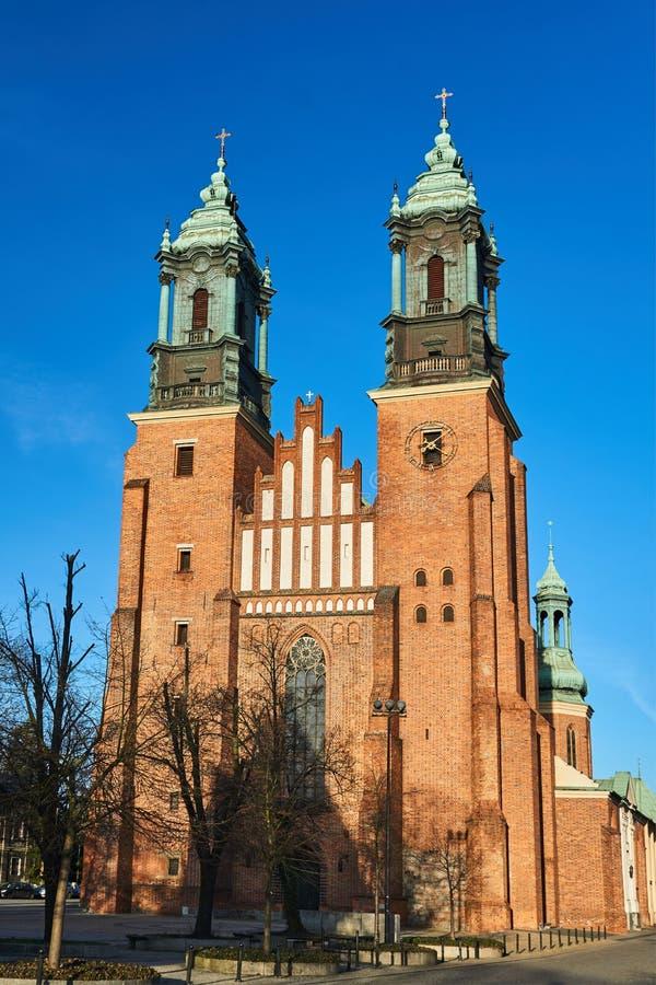 Fasada i góruje średniowieczna Gocka katedra obrazy royalty free