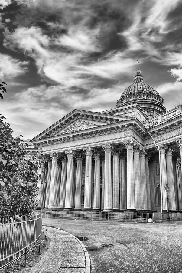 Fasada i kolumnada Kazan katedra w St Petersburg, Russi obrazy royalty free