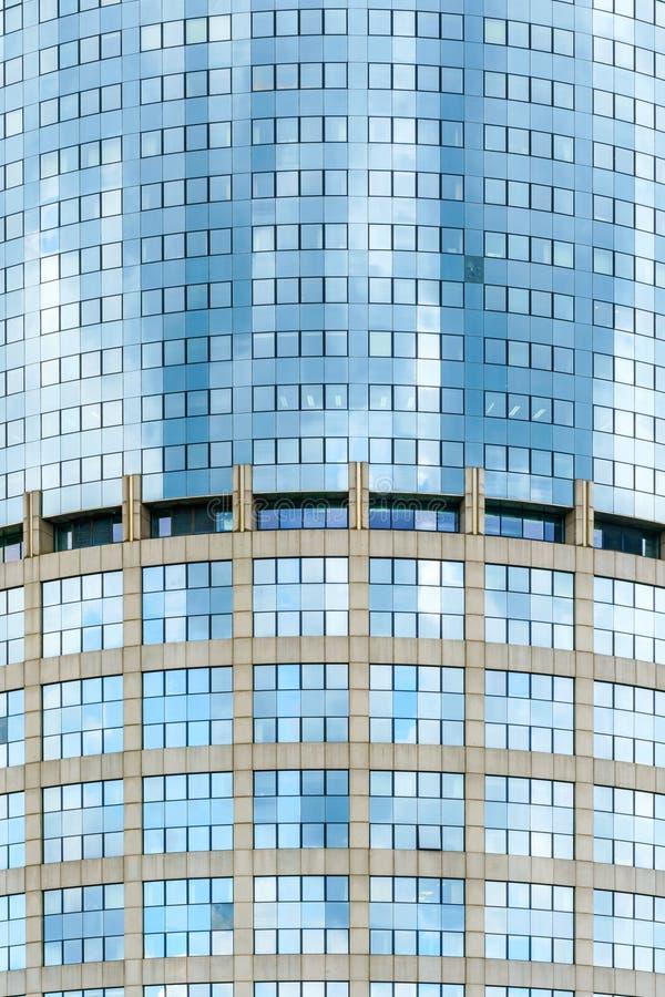 Fasada nowożytny biznesowy drapacz chmur robić szkło i beton fotografia royalty free
