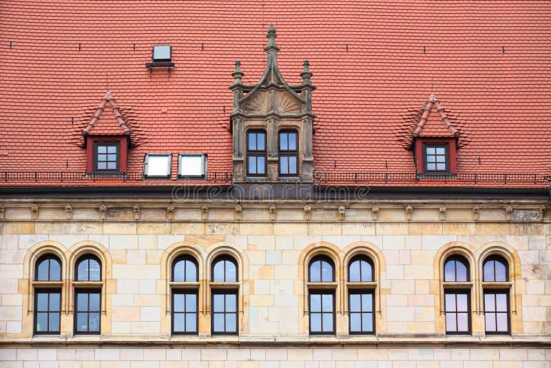 Fasada poprzedni główny urzędu pocztowego budynek w Magdeburskim obrazy royalty free