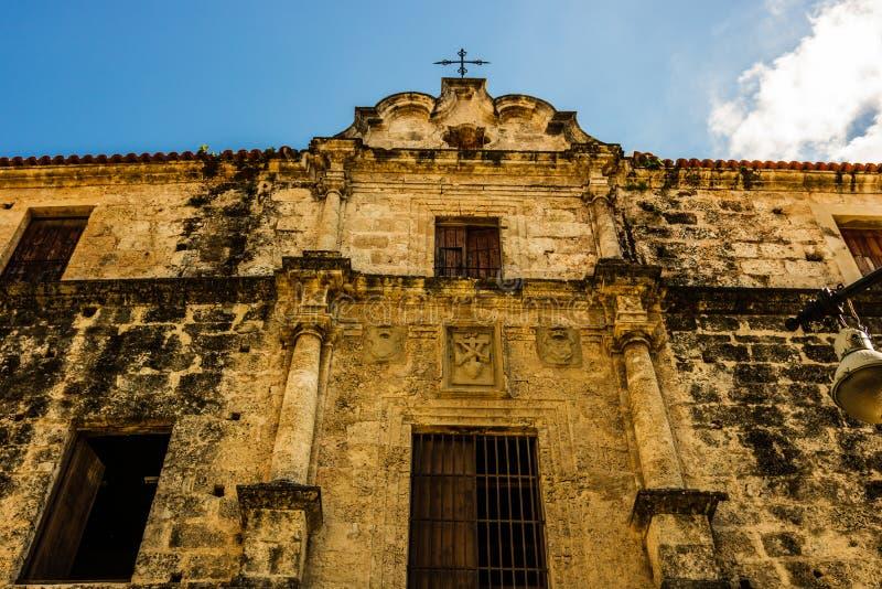 Fasada stara kolonialna katedra w Stary Hawańskim, Kuba fotografia stock
