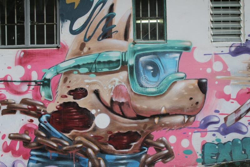 Fasada w starym miasteczku z graffiti przy centralą obrazy royalty free