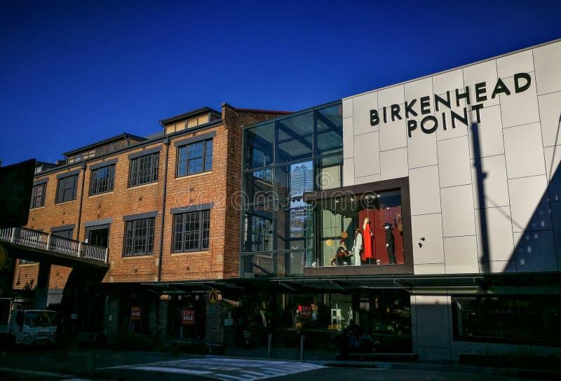 Fasadbyggnaden av mitten för uttag för den Birkenhead punktfabriken är en av mest älskade Sydneys shoppa destinationer royaltyfri bild