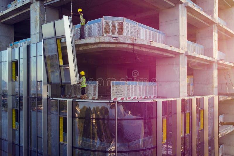 FasadCladding av byggnaden arkivfoto