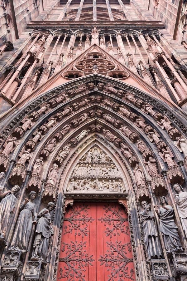 Fasaddomkyrka av vår dam på Strasbourg, Alsace royaltyfria bilder