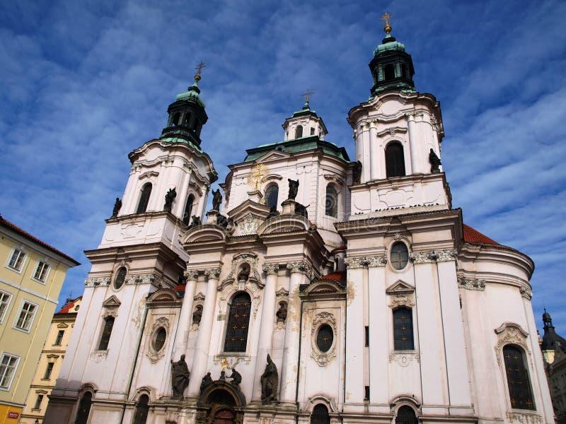 Fasade biały kościół zdjęcia stock