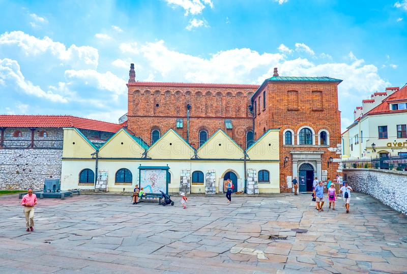 Fasaden av den gamla synagogan i Krakow, Polen royaltyfri bild