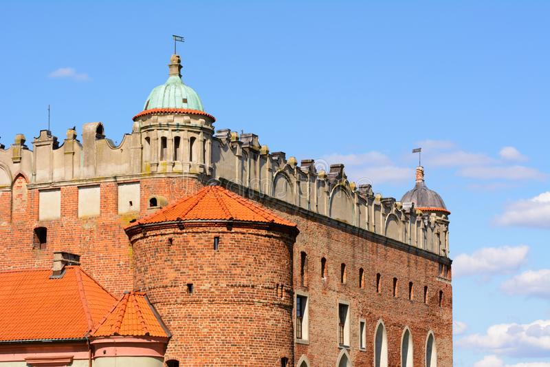 Fasaden av den Teutonic slotten i Golub-Dobrzyn bevarade i Gotisk-renässans stilen royaltyfria bilder