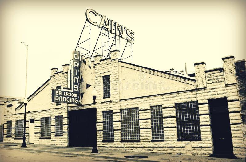 Fasaden av historiska Cains balsal undertecknar in Tulsa, Oklahoma Cains arkivbilder