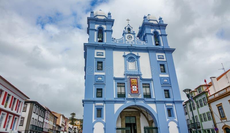 Fasaden av kyrkan i Angra gör Heroismo, ön av Terceira, Azores royaltyfri bild