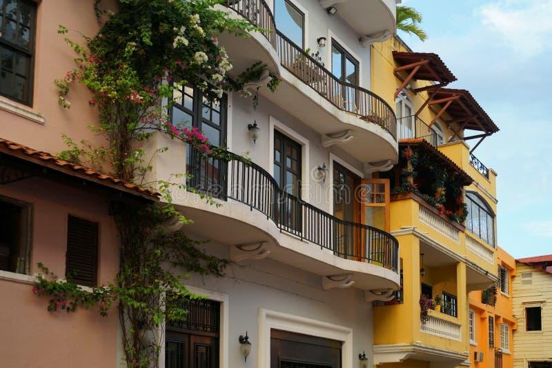 Fasades coloridos de la casa de la ciudad vieja del viejo de Casco, ciudad de Panamá, Panamá foto de archivo