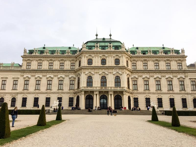 Fasadowa i zewnętrzna dekoracja antyczny budynek zdjęcia royalty free
