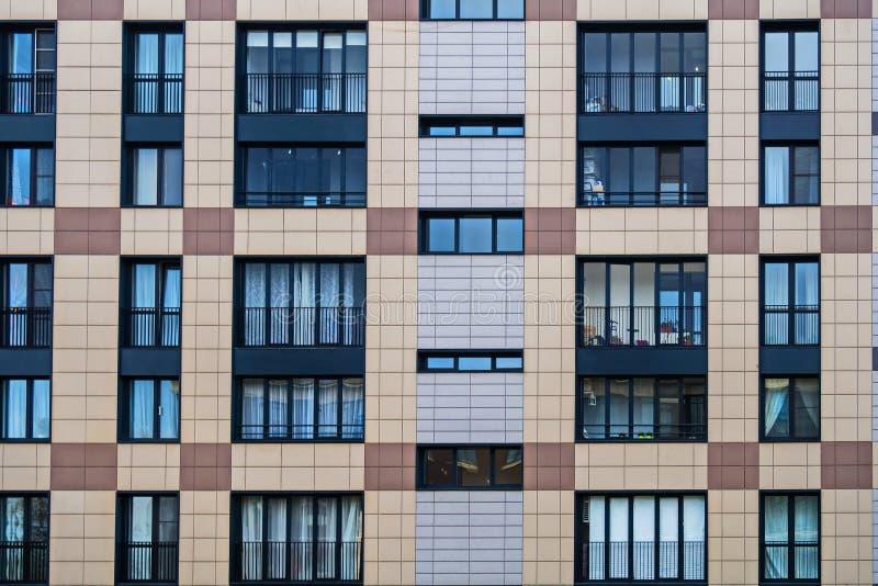 Fasadowi rozwiązania nowi budynki mieszkalni obraz royalty free
