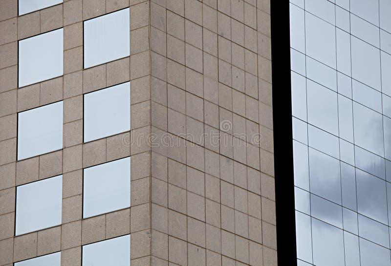Fasadowi szklani okno budynek ciosowy zdjęcie royalty free