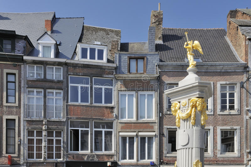 fasady fontanna stary złoty Namur fotografia royalty free