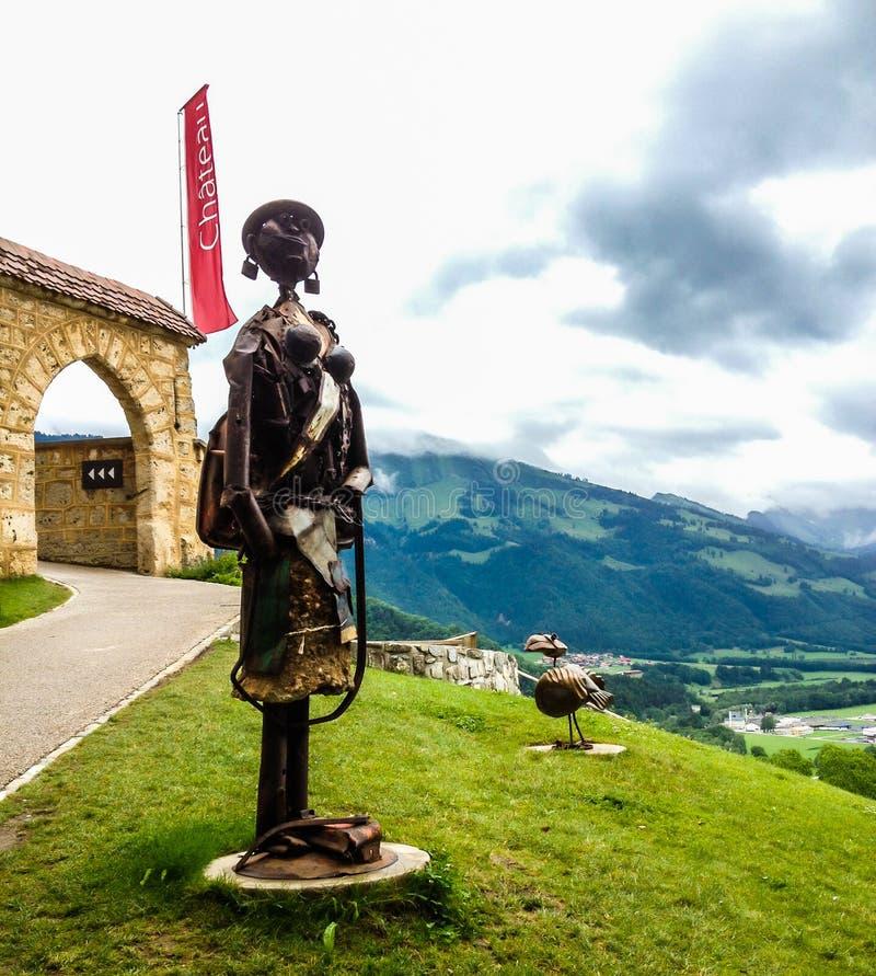Fascinerende plaatsten de troep-metaal beeldhouwwerken van ` Tuckson ` Tuckson Muvezwa van de Kunstwerken van Zimbabwe artfully o royalty-vrije stock afbeelding