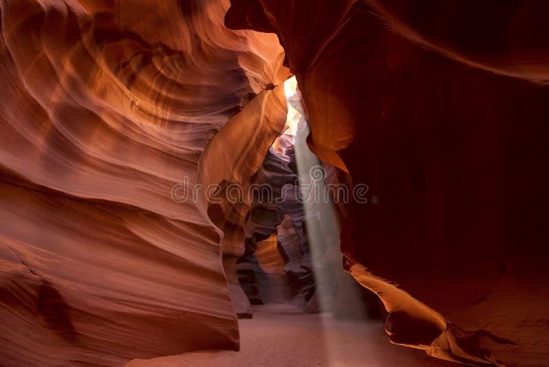 Fascio luminoso in canyon dell'antilope fotografia stock libera da diritti