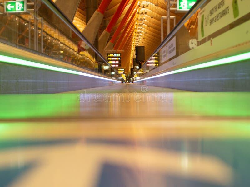 Fascynujący widok nad karuzelą w lotniskowym holu zdjęcie stock