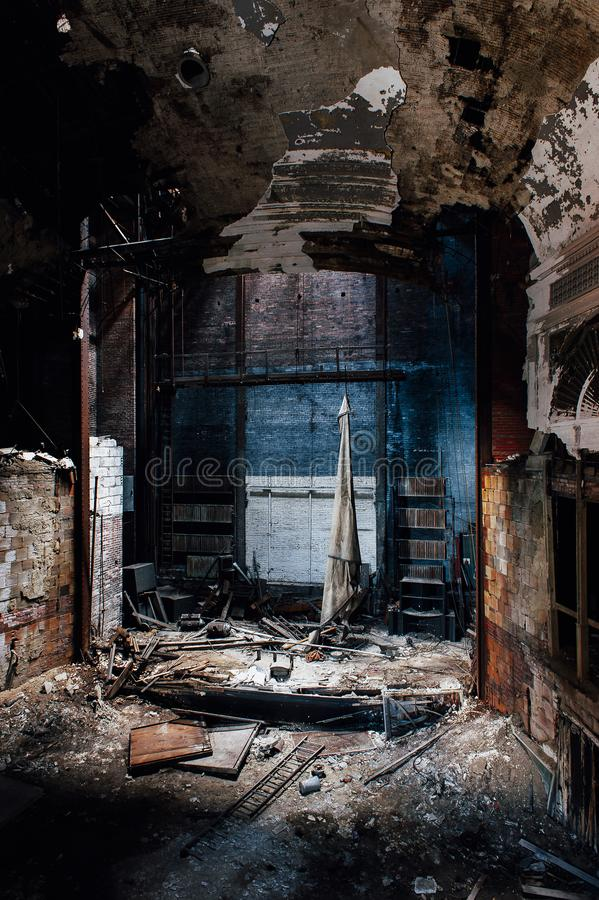 Fase de desmoronamento - teatro abandonado de Paramount - Youngstown, Ohio foto de stock