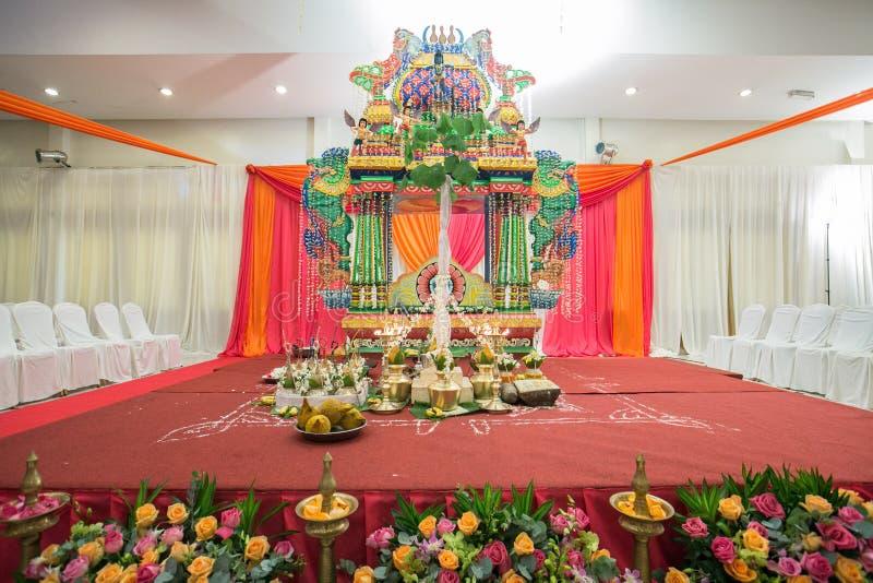 Fase de Manavarai/Mandapam em um casamento hindu Ceylonese foto de stock royalty free