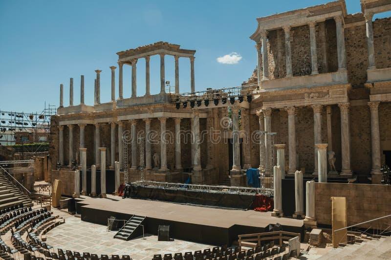 Fase que está sendo preparada para a mostra em Roman Theater de Merida fotografia de stock
