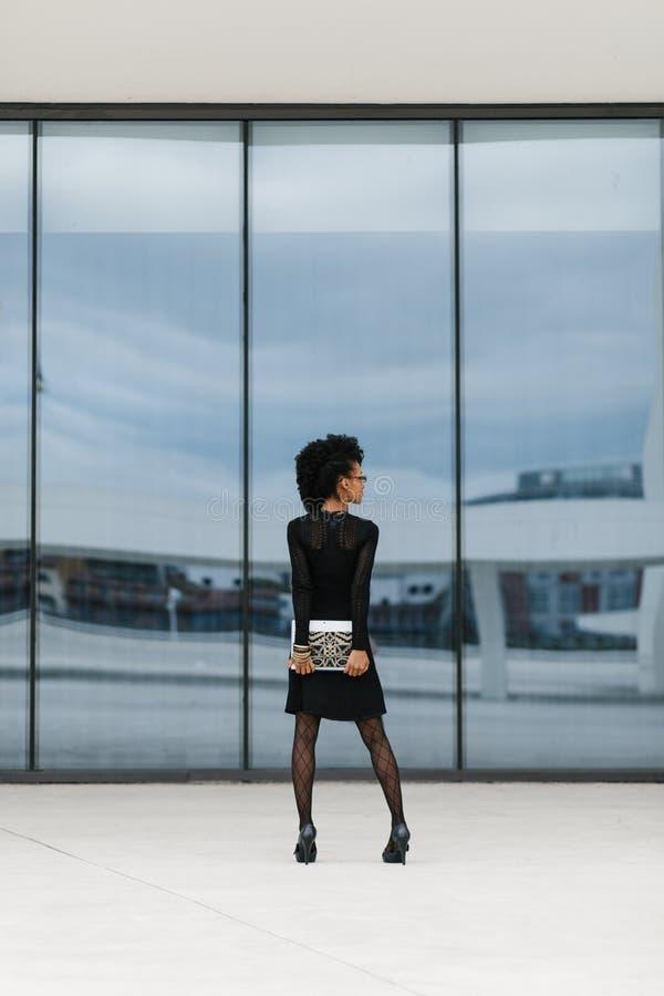 Fashinable weibliche Art des modernen Geschäfts lizenzfreies stockbild