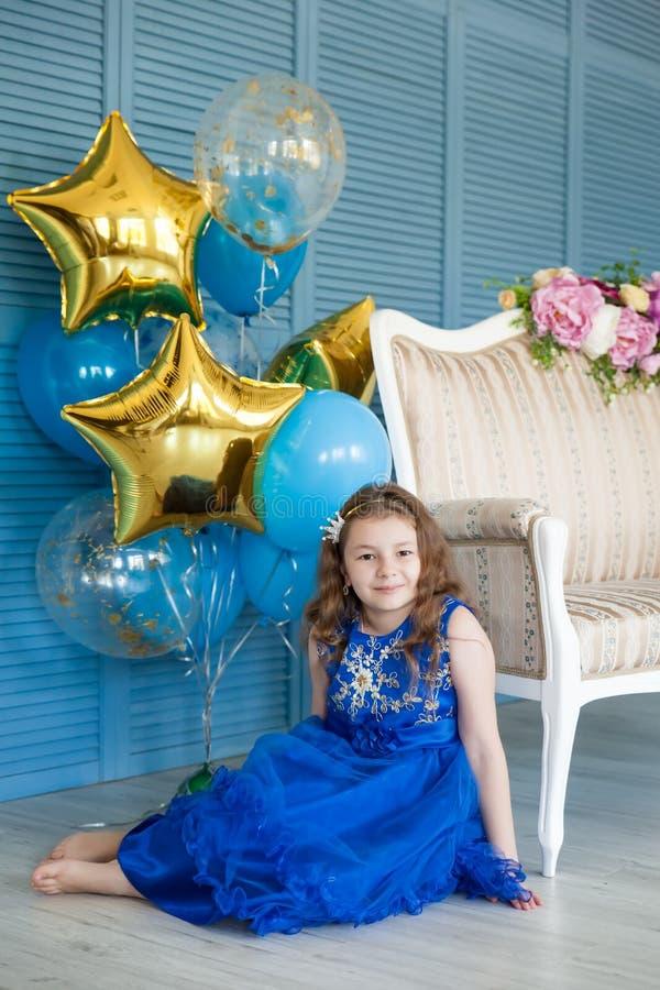 Free Fashion Girl Celebrating Her Birthday Stock Photo - 113765560