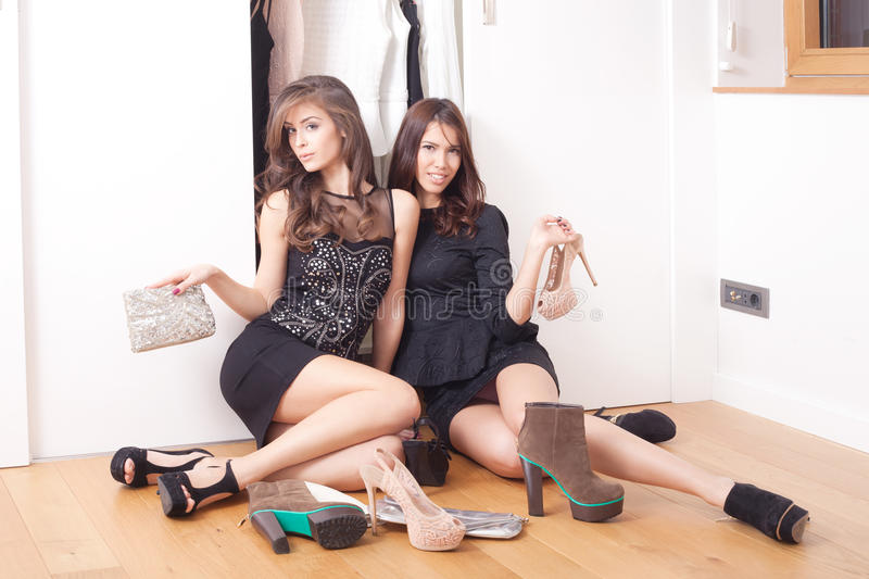 Download Fashion Girls Royalty Free Stock Images - Image: 28305089