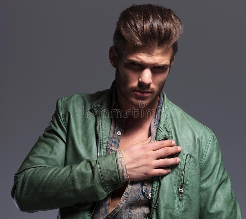 Free Fashion Male Model Posing With His Hand On Shoulder Stock Image - 36633121