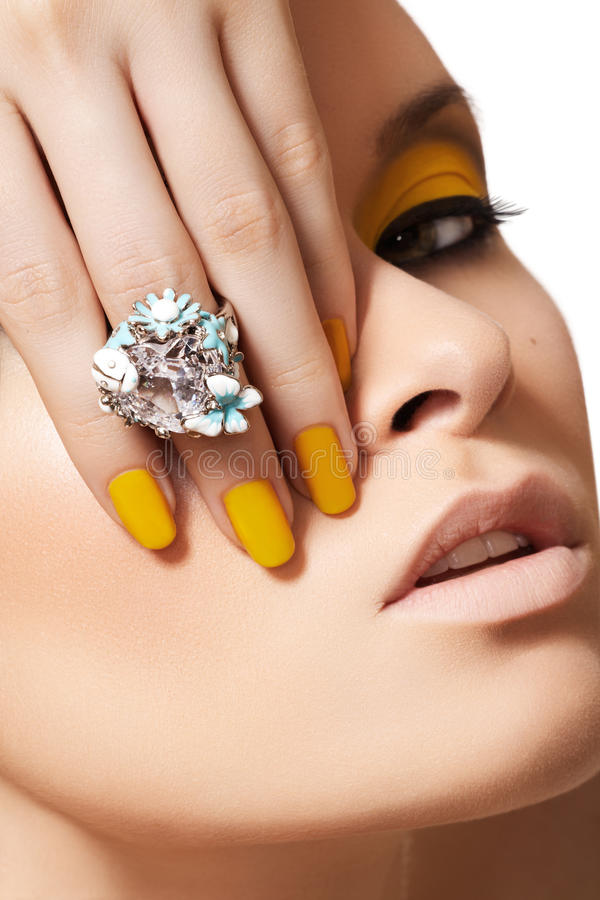 Download Fashion Model, Glamour Jewelry, Make-up & Manicure Stock Photo - Image: 21355360