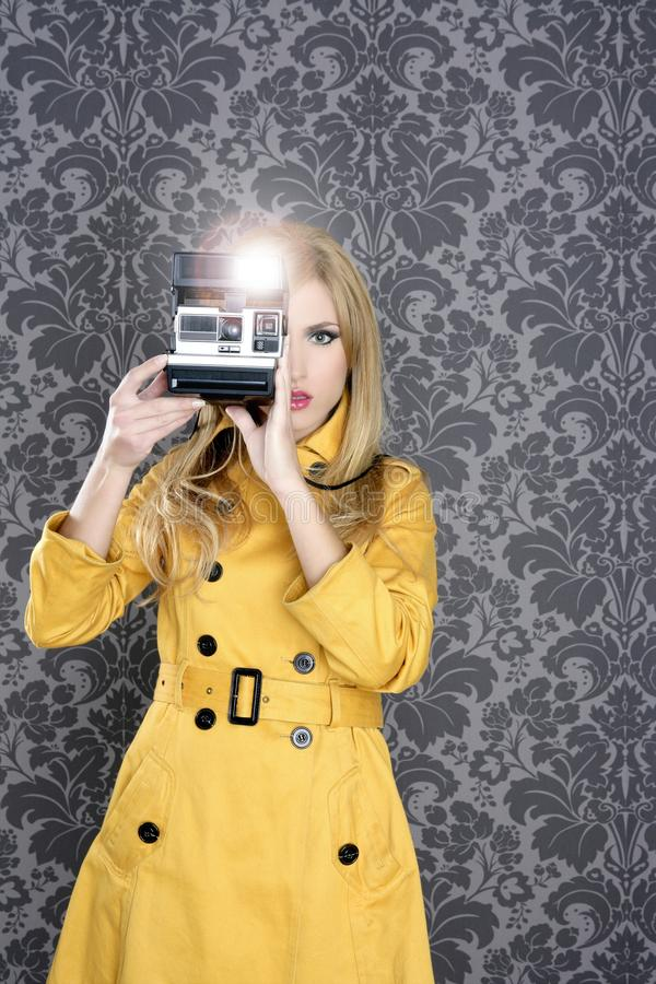 Free Fashion Photographer Retro Camera Reporter Woman Royalty Free Stock Photo - 17353895