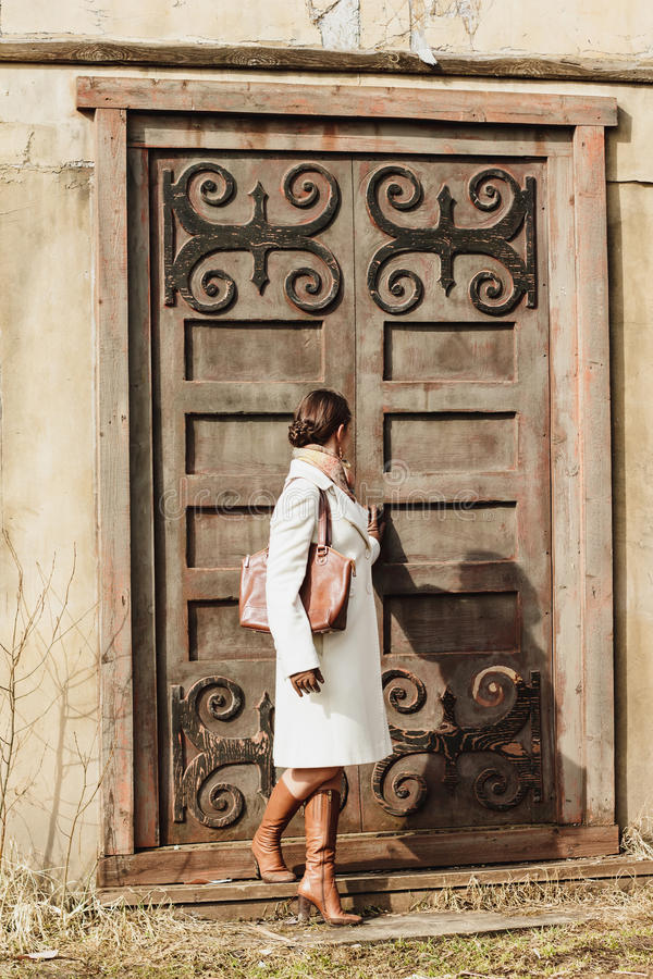 Free Fashion Portrait Of Beautiful Woman On The Front Of Old Vintage Building Royalty Free Stock Images - 39319729
