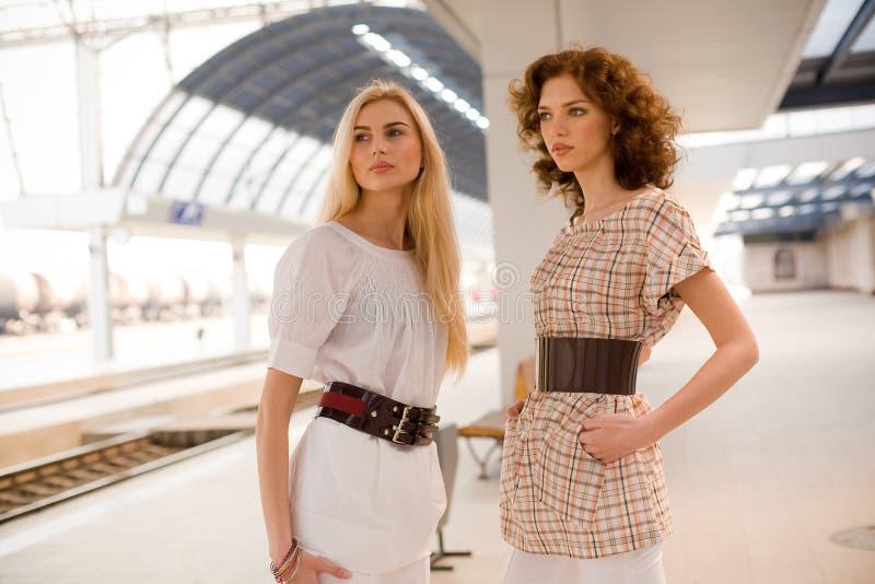 fashionable girls two στοκ φωτογραφία