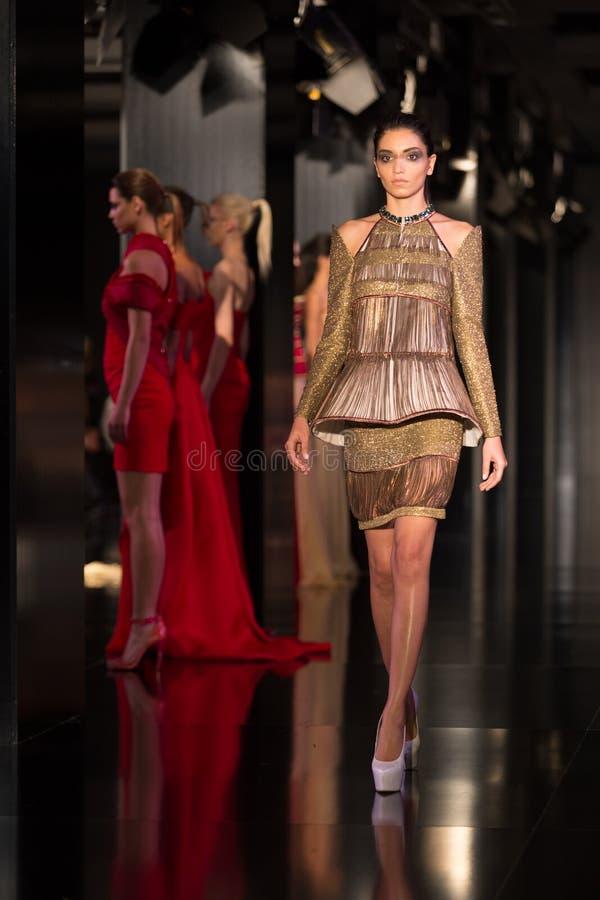 Download Fashionist mody jarmark obraz stock editorial. Obraz złożonej z elegancki - 57672669