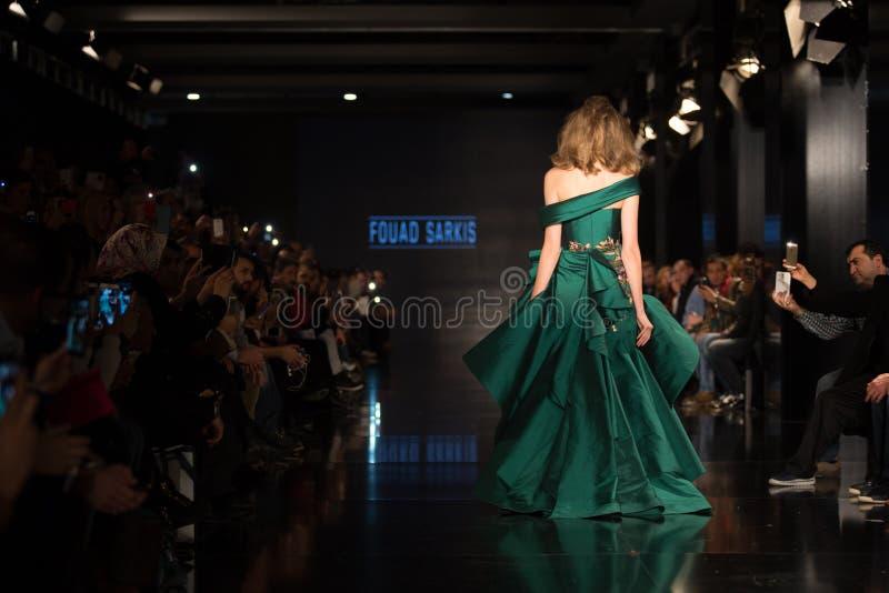 Download Fashionist mody jarmark obraz editorial. Obraz złożonej z przedstawienie - 57673055